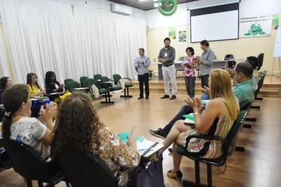 Presidente Hilton Coelho, superintendente Luiz Figueiredo e instrutor do curso, Ricardo Martim