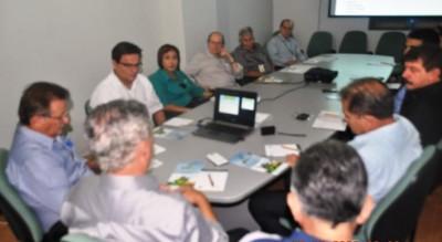 Representantes do CNA, apresentam a convidados projeto do Agropec semiárido, na sede da Faema/Senar.