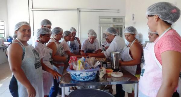 Participantes do curso de Doces e Salgados na Semana da Agricultura Familiar.