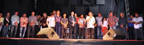 Raimundo Coelho, (Faema) e Luiz Figueiredo, (Senar), são homenageados durante abertura da 20ª Expofran.