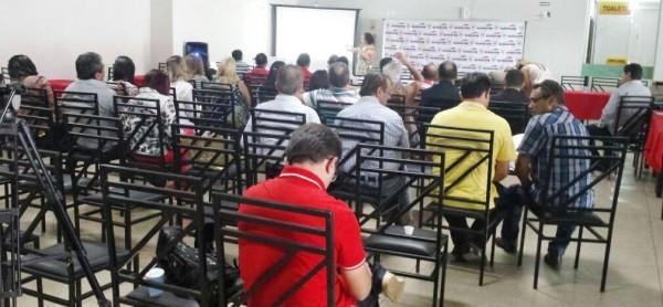 Representante do MAPA, Fátima de La Mark, apresenta programa Classe Média Rural, do Matopiba, a prefeitos e lideranças.