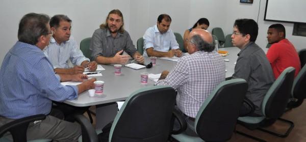 Raimundo Coelho da Faema conduz reunião com Sepaq e Codevasf na sede do Senar