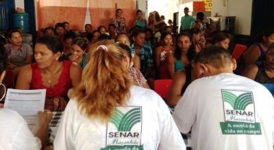 Mulheres rurais em atendimento durante programa 'Útero é Vida', no município de Monção.