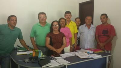 Dirigentes do sistema Faema/Senar acompanhados pelo presidente do sindicato dos produtores rurais, José Luzia, prefeita de Chapadinha Ducilene Belezinha e equipe.