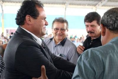 Raimundo Coelho e Luiz Figueiredo com Paulo Lira, no momento da posse, em Açailandia.
