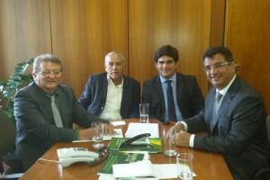 Assessor especial do Ministério da Agricultura, Ricardo Santa Rita, em reunião com os presidentes das Federações - do MA, (Raimundo Coelho), de AL, (Àlvaro Almeida) e do RN, (José Vieira).