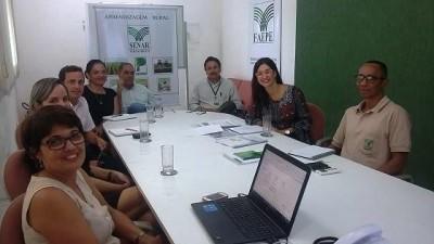Fabiana Yehia (de óculos à direita) durante a visita realizada à regional do SENAR de Pernambuco