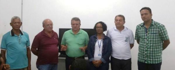 Equipe do Senar com a analista do Sebrae, Sandra Barcelos no município de Riachão.