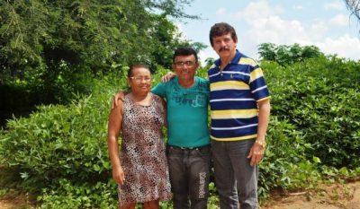 Os pequenos produtores rurais, Marciano Cirilo Leite e Irene do Carmo Silva serão beneficiados com o Plano de Produção, fruto da parceria Senar e grupo FC Oliveira.