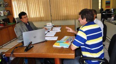 Luiz Figueiredo apresenta plano de produção ao empresário de Codó.