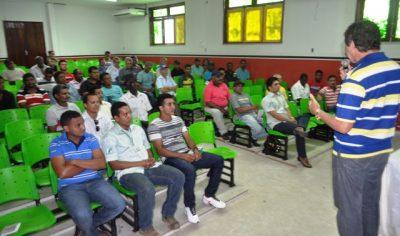 Luiz Figueiredo ministra palestra em Codó aos produtores rurais
