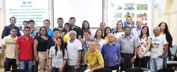 Participantes da capacitação, organizadores do evento, e palestrantes do CNA e INSS.