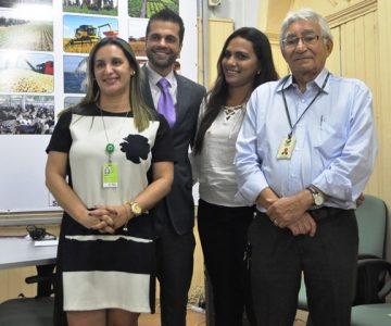 Lourival da Costa, (Faema/Senar), com assessora jurídica da Comissão Nacional de Trabalho e Previdência do CNA, Vânia Ataídes, o consultor do CNA, Rafael Avelar e a colaboradora do sindicato de Loreto, Adriana Brito.