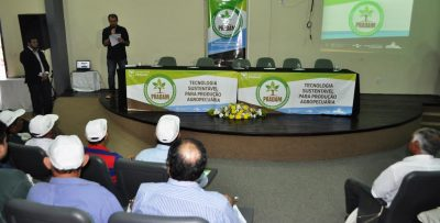 Gerente da ATeG, Epitácio Rocha, durante seminário em Santa Inês.