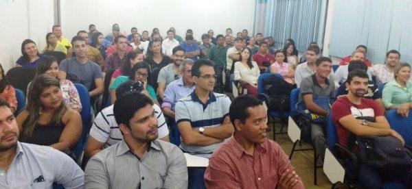 Luiz Figueiredo, Epitácio Rocha e Edjailson Souza da Sagrima, iniciam treinamento no Campus da UEMA com técnicos de campo que atuarão no programa 'Mais Produção'.