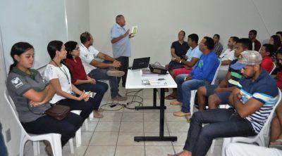 O presidente do Sindicato, José Luzia fala a produtores e alunos da Rede E-Tec sobre a atuação da Faema e do Senar.