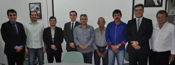 Equipe do sistema Faema/Senar e Banco do Brasil após assinatura de convênio.