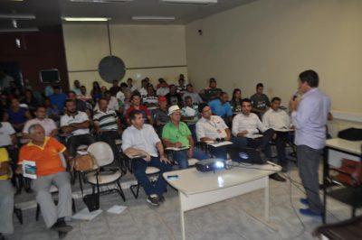 Luís Figueiredo fala em Pedreiras do programa que atenderá com assistência técnica, produtores rurais do Estado.