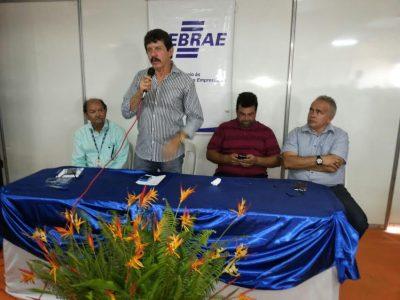 Luiz Figueiredo em discurso de abertura da entrega de certificados na Agritec de Viana.