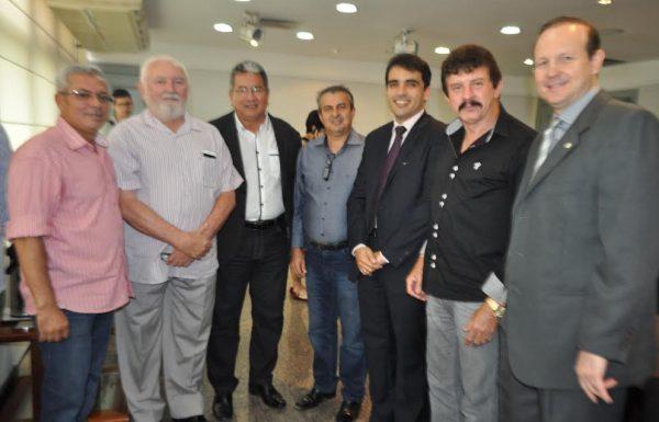 Equipe do Sistema Faema/Senar com o presidente da Age, Sebastião Anchieta e secretário da Sagrima, Márcio Honaiser.