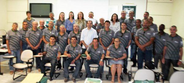 Representantes do sistema Faema/Senar com produtores rurais e parceiros.