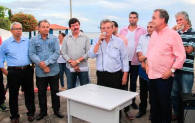 Equipe do Senar, liderada pelo presidente da Faema, Raimundo Coelho, assinam TCT com prefeito de Ribamar na presença de produtores rurais.