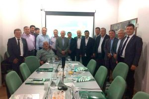 Martins, Carrara e Coelho durante reunião com o setor agropecuário maranhense na sede da Faema.
